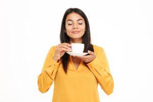 delmarte-high-quality-tea-woman-drinking-good-tea